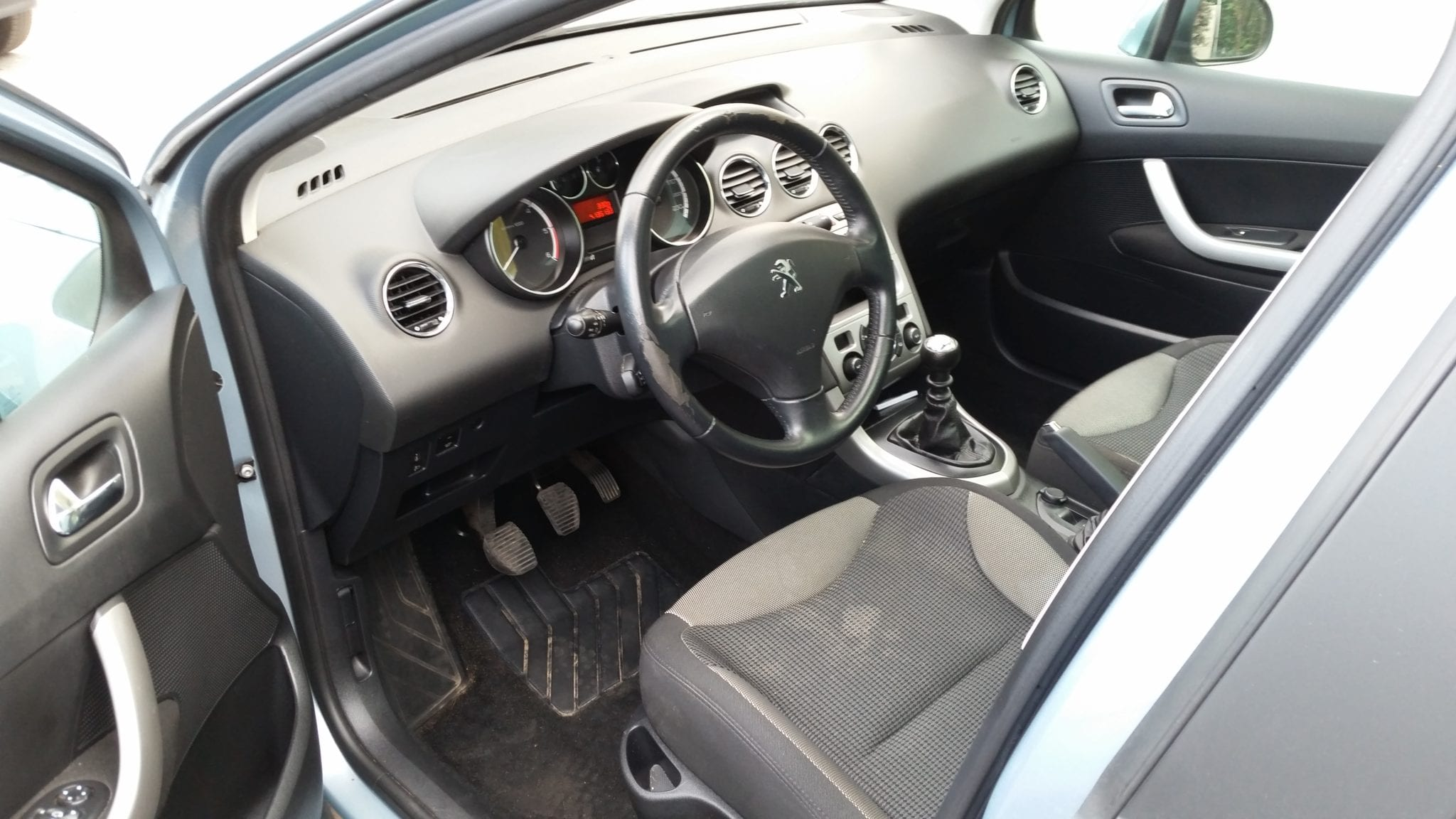 Peugeot 308 PHASE 2 ACTIVE - Image 2