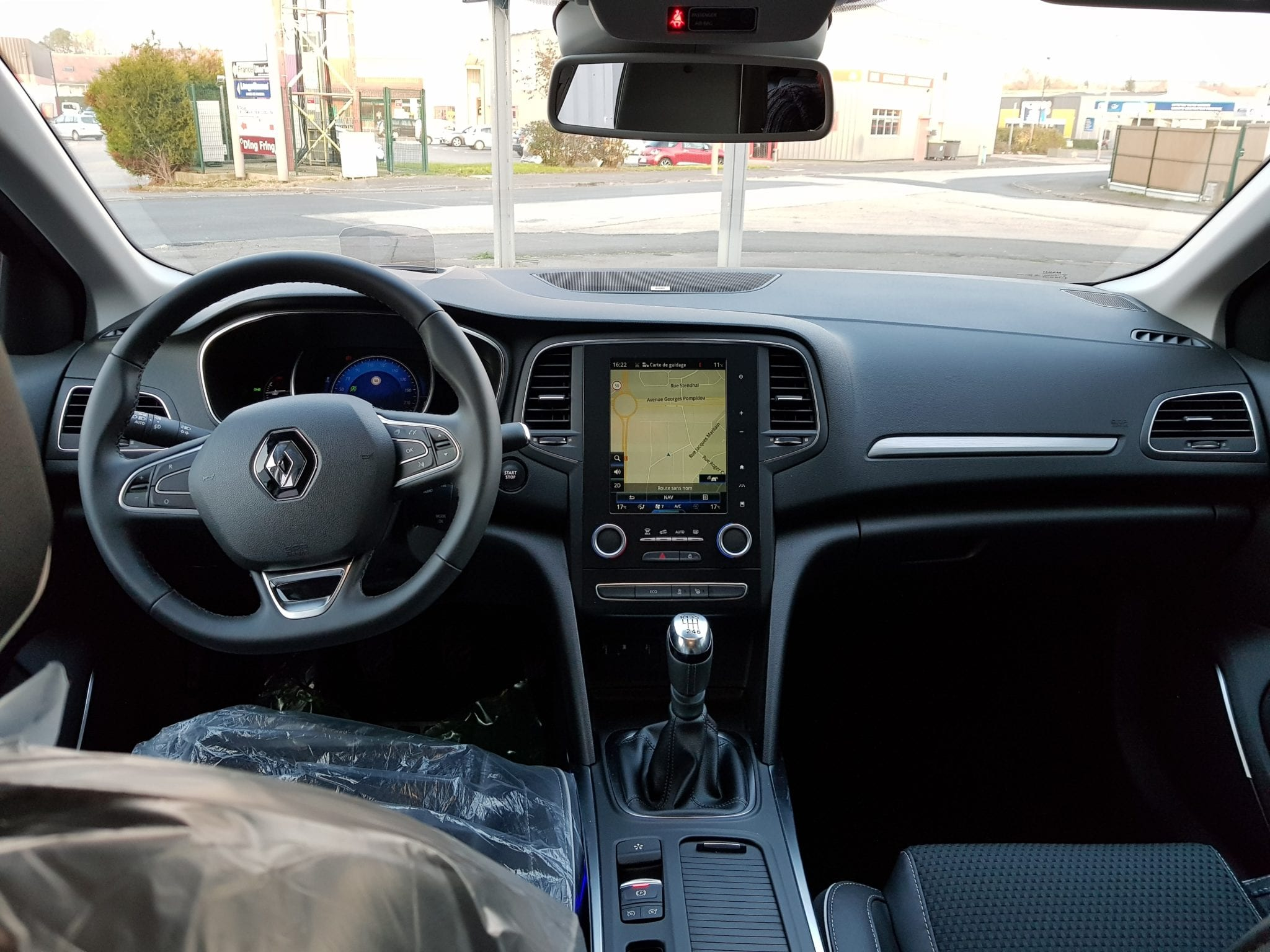Renault MEGANE 4 BOSE EDITION ENERGY 1.6 DCI 130 - Image 4