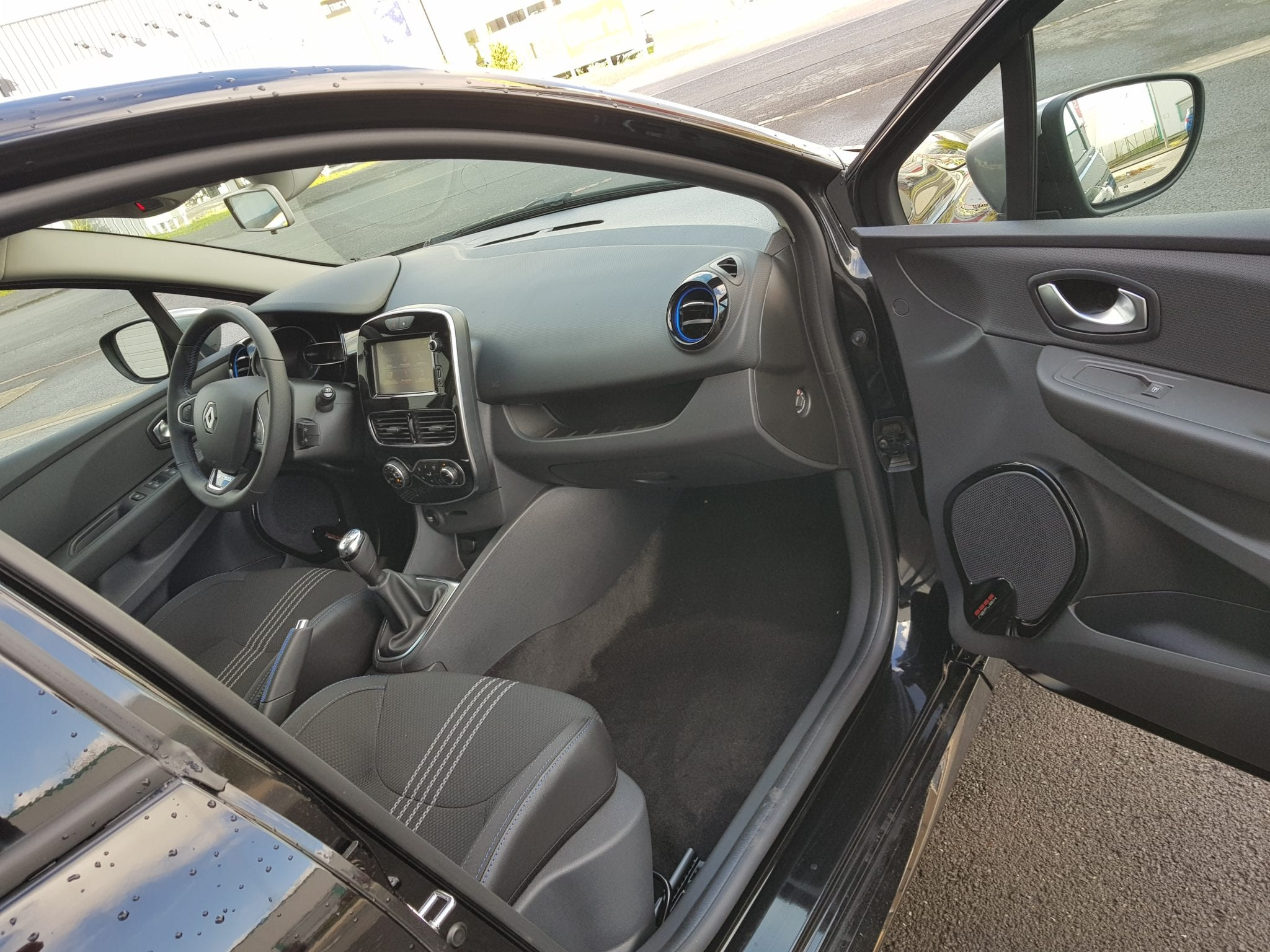 Renault NV CLIO 4 TCE 90 ENERGY GT-LINE - Image 4