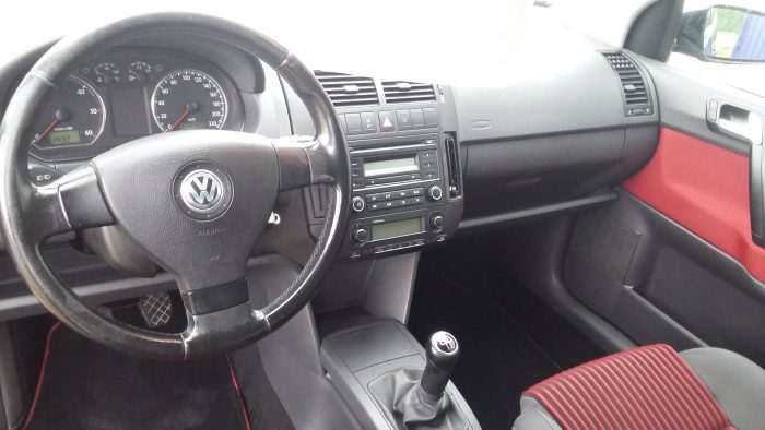 Volkswagen POLO 1.4 TDI VERSION SPORT - Image 6