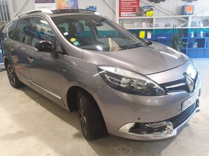 Renault Grand Scenic III 1.5 DCI 110 CH BOSE EDITION 7PL - Image 4