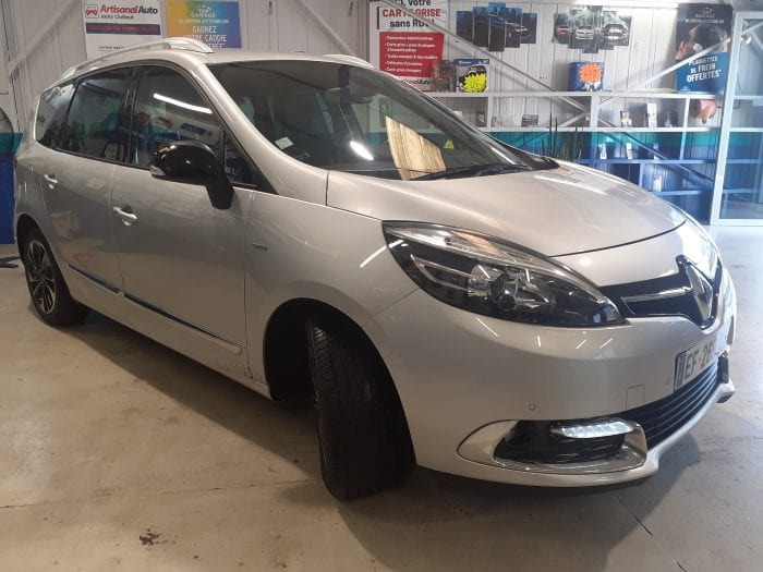 Renault Grand Scenic III 1.6 DCI 130 CH BOSE EDITION 5 PLACES - Image 2
