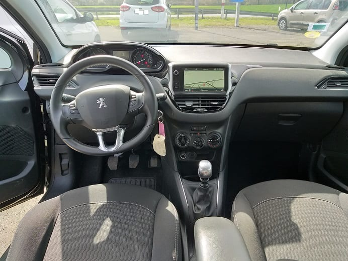 Peugeot 208 1.5HDI ACTIVE/BUSINESS 102CV - Image 2