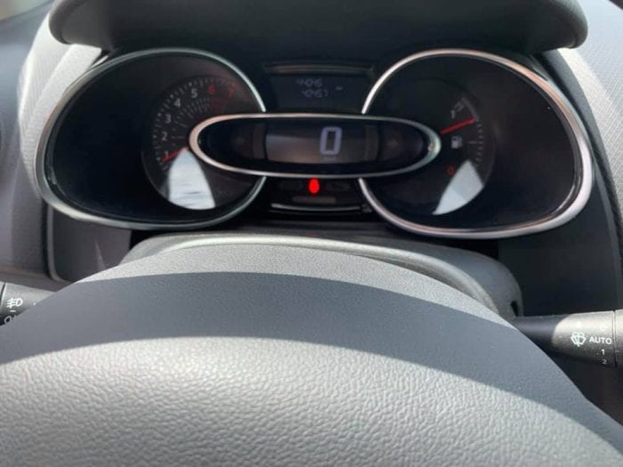 Renault CLIO ESTATE IV 1.2 TCE 120CH ENERGY INTENS - Image 26