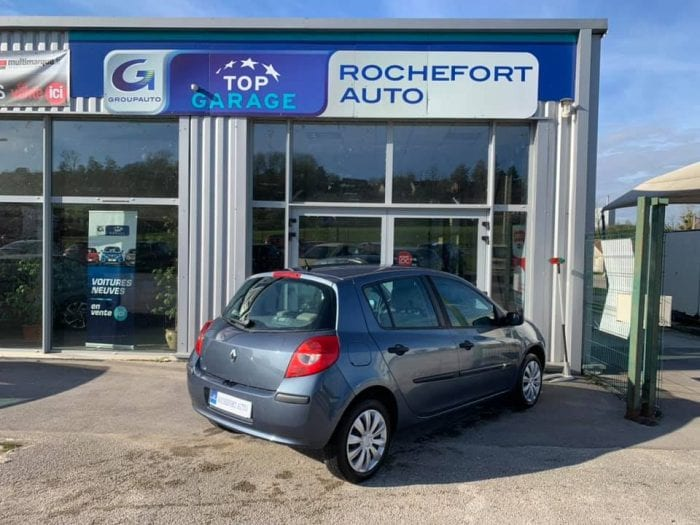 Renault CLIO III 1.2 16V 75CH CONFORT EXPRESSION 5P - Image 5