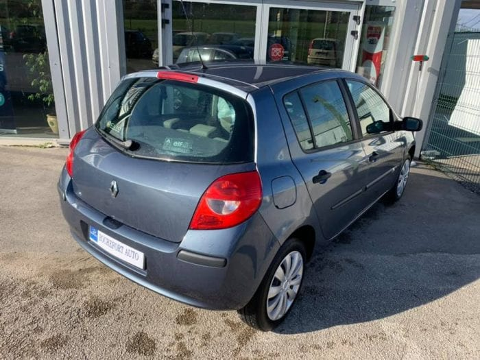 Renault CLIO III 1.2 16V 75CH CONFORT EXPRESSION 5P - Image 7