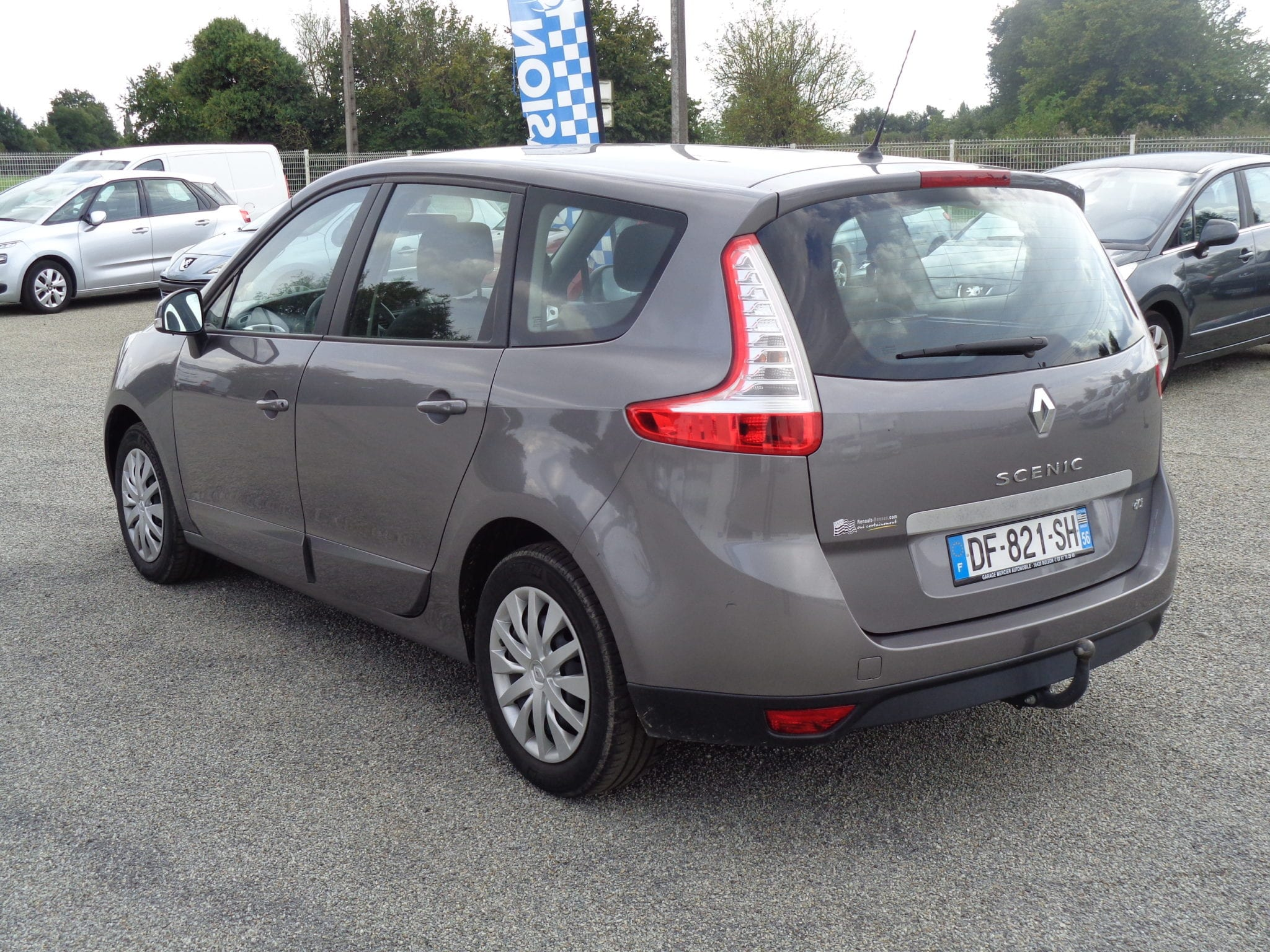RENAULT GRAND SCENIC DCI 110 ENERGY LIFE ECO2 7 PLACES - Image 2