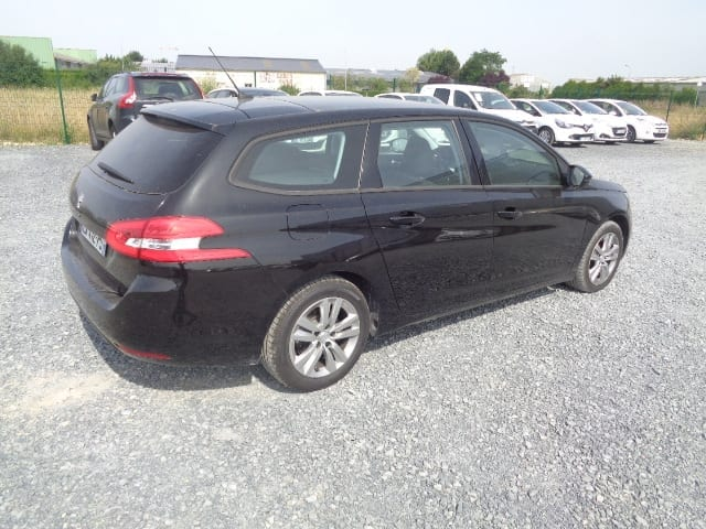Peugeot 308 SW 1.6 HDI 120CV BUSINESS PACK Eligible prime conversion  - Image 2