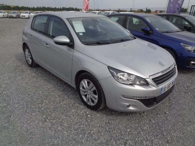 Peugeot 308 1.6 BLUE HDI 120CV BUSINESS PACK 5 places Eligible Prime conversion - Image 1