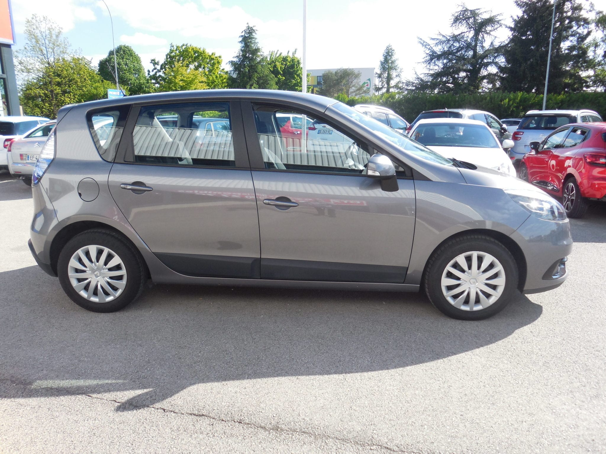Renault SCENIC - Image 2