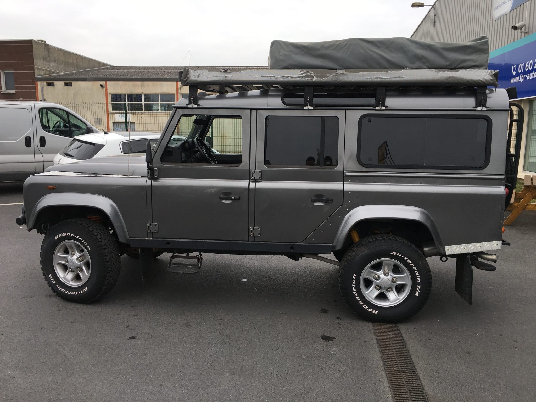 Land_Rover  DEFENDER  - Image 2