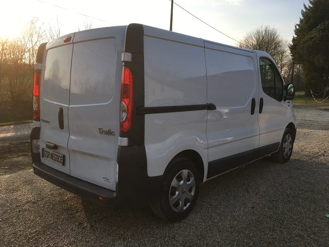 Renault Trafic II 2.0 dci 90 L1H1 extra - Image 3
