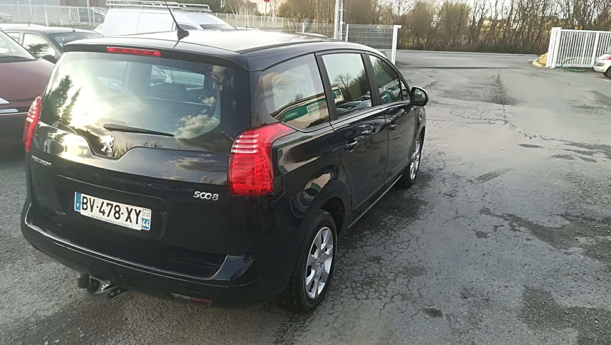 Peugeot 5008 1.6 L HDI 112 CV BVM FINITION ACCESS 5 PLACES - Image 2