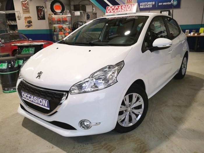 Peugeot 208 1.4 hdi 70 ch 5 portes - Image 1