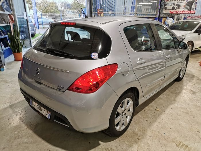 Peugeot 308 1.6 e hdi 112 ch active BMP6 - Image 3
