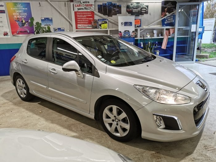 Peugeot 308 1.6 e hdi 112 ch active BMP6 - Image 2