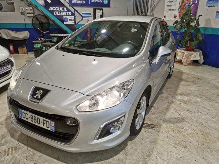 Peugeot 308 1.6 e hdi 112 ch active BMP6 - Image 1