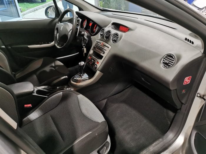 Peugeot 308 1.6 e hdi 112 ch active BMP6 - Image 6