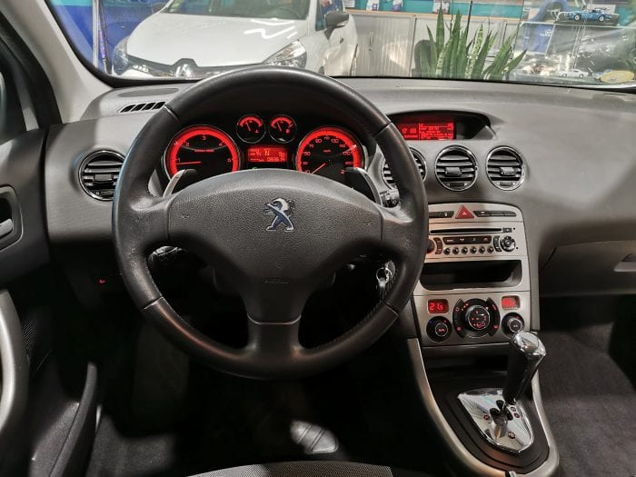Peugeot 308 1.6 e hdi 112 ch active BMP6 - Image 9