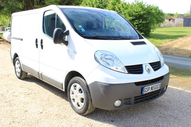 Renault Trafic grand confort l1h1 1000 2.0 dci 90  - Image 2