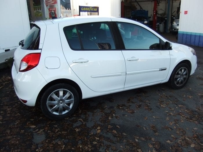 Renault CLIO III 90 Eco 2 BUSINESS - Image 4