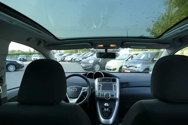 Toyota Verso 126 d-4d skyview 7places - Image 3