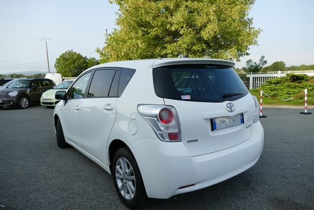 Toyota Verso 126 d-4d skyview 7places - Image 2
