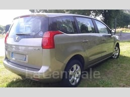 Peugeot  5008 1.6 e-hdi 112 fap business pack bmp6 - Image 2