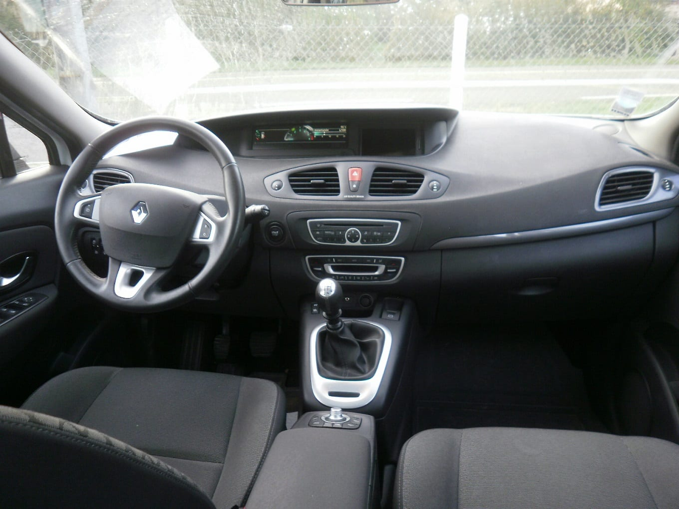 Citroen GRAND C4 1.6 HDI 110 TENDANCE - Image 7